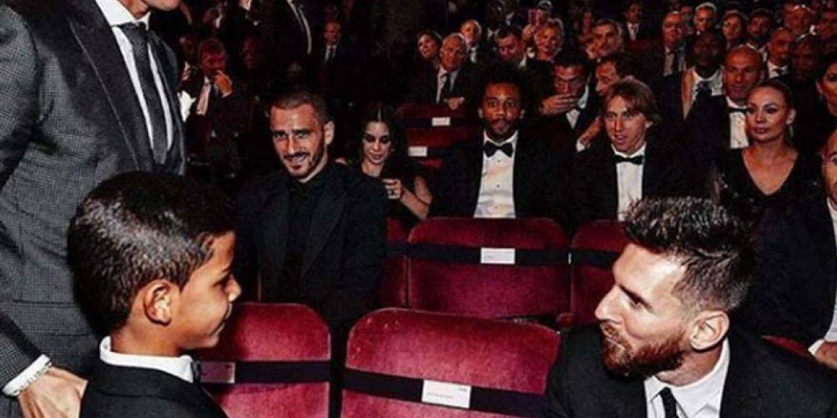 "Hijo de Cristiano Ronaldo le dice a Messi ""Mí ídolo"""