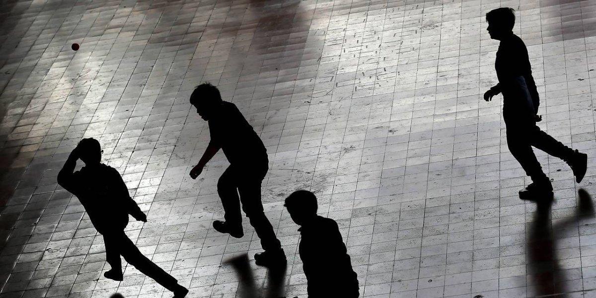 Estudiantes aburridos hicieron explotar peligrosa bomba de cloro en Providencia: hay una niña herida
