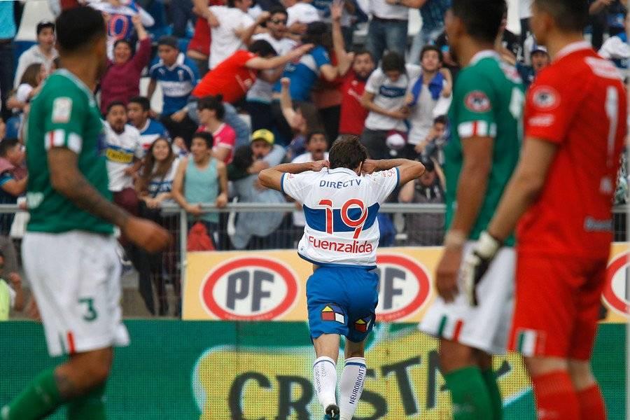 El Chapa Fuenzalida comienza de festejar el gol que le selló la obtención de la estrella 11 en la historia de la UC / Foto: Photosport