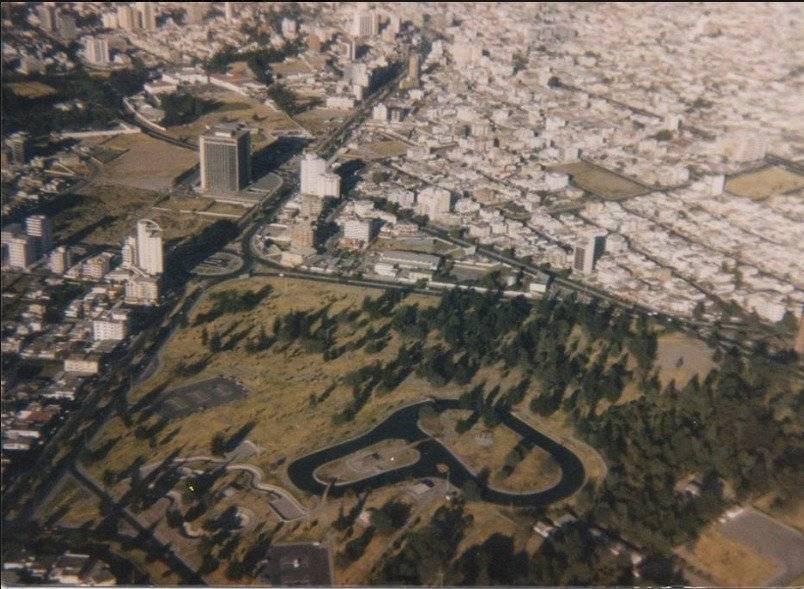 Vista aérea del Parque La Carolina en los años 60 Quito Nostálgico