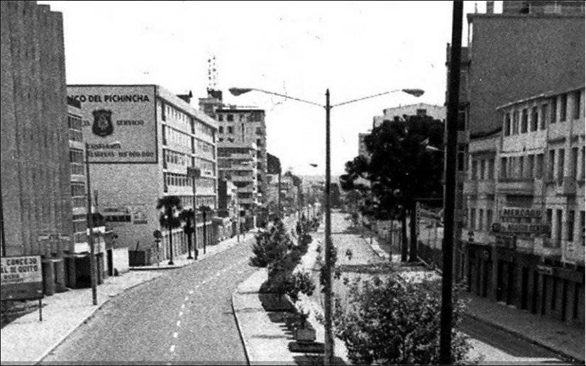 Avenida 10 de agosto en los 70s Quito Nostálgico