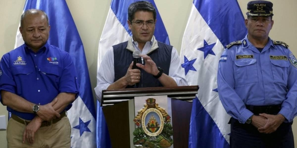 El presidente de Honduras, Juan Orlando Hernández, acepta el recuento total de votos exigido por la oposición para solucionar la polémica por la demora en los resultados electorales