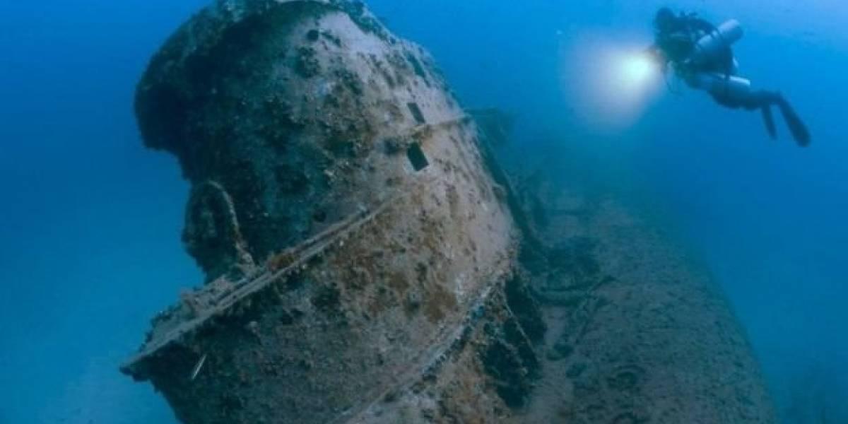 Las impresionantes imágenes de navíos y aviones de guerra en el fondo del océano