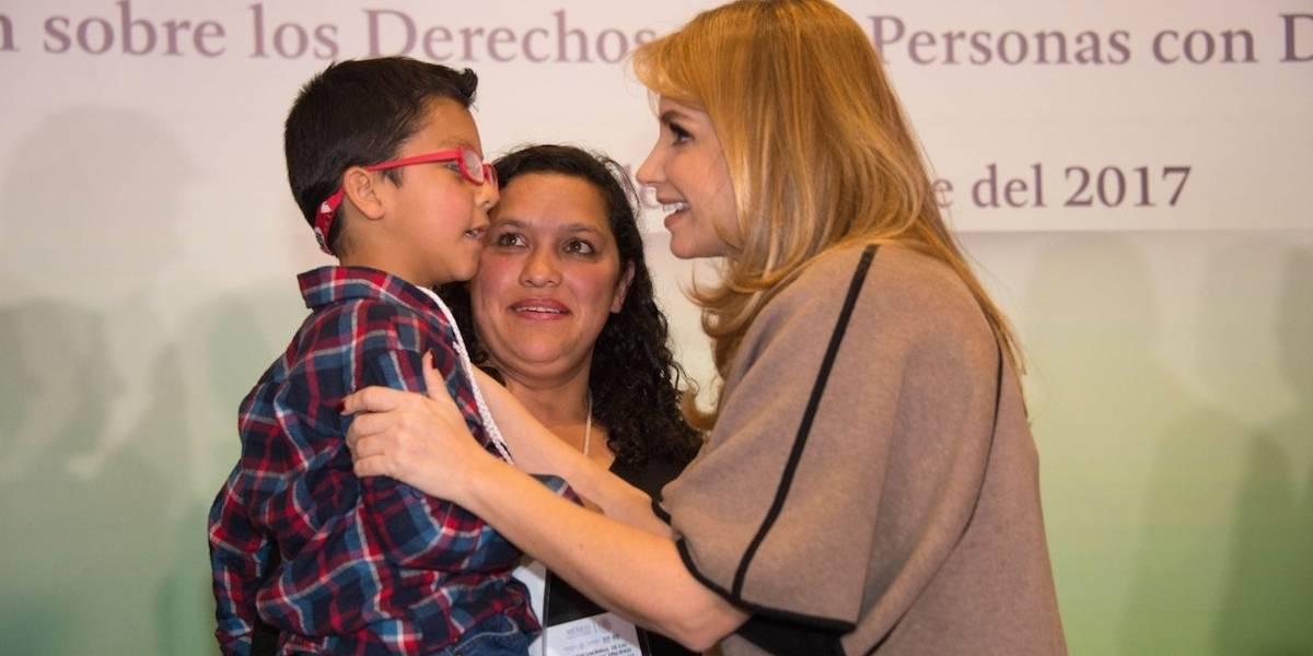 La única discapacidad que existe es la del alma: Angélica Rivera de Peña