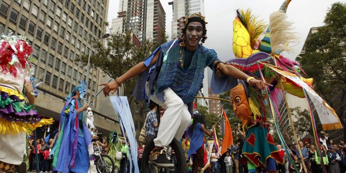 El teatro se tomó la calle en la apertura del Festival Iberoamericano de Bogotá