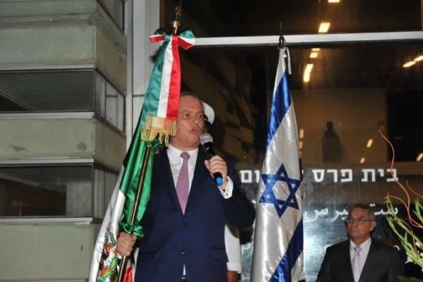 Embajador Pablo Macedo durante la conmemoración del Grito de Independencia en Tel Aviv, en 2017 (Archivo)