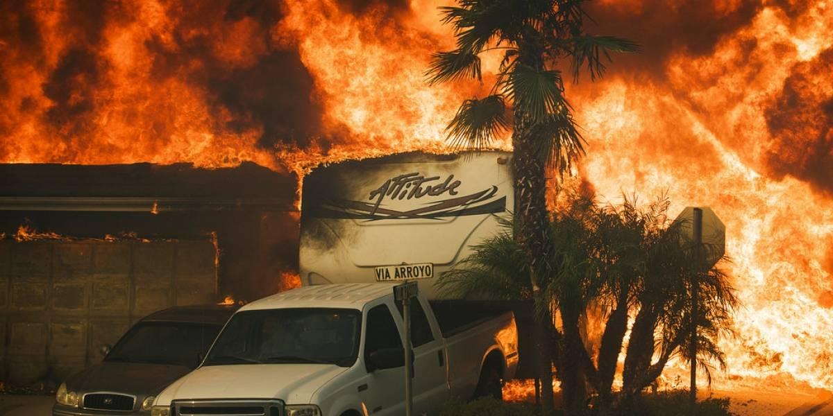 Infierno en la Tierra. Compartenaterradores videos del gigantesco incendioen California