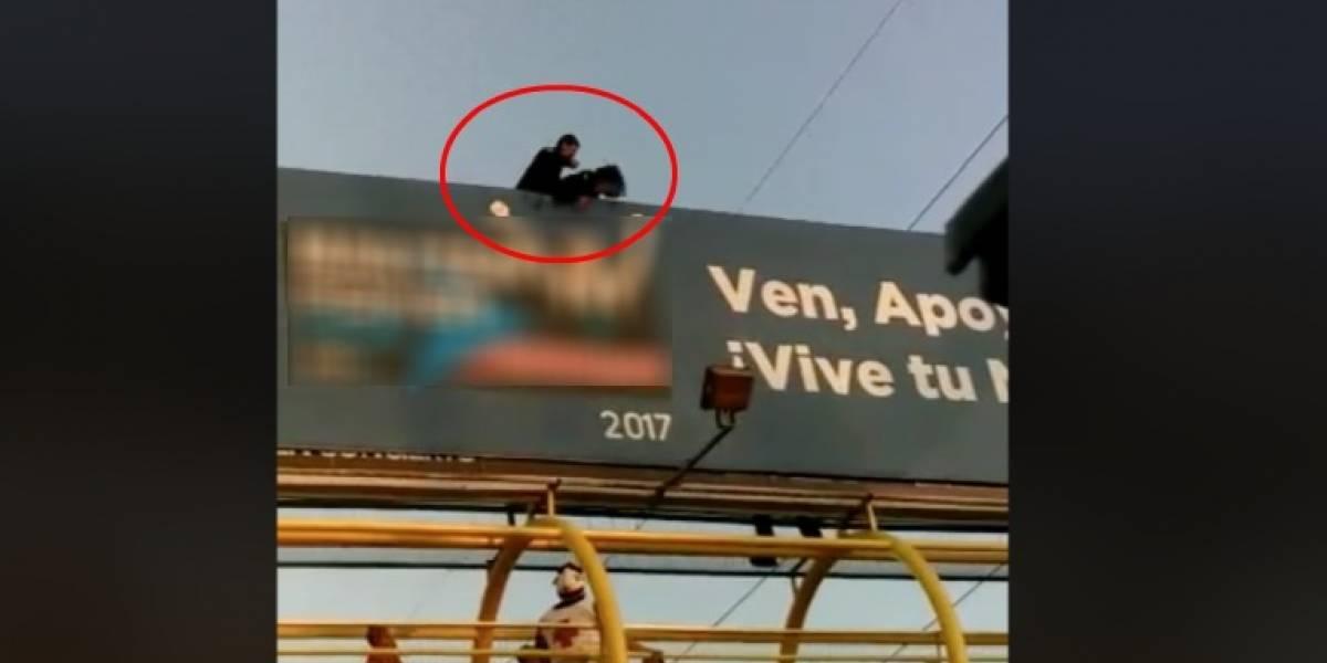 Con golpiza, policía evita suicidio en Monterrey