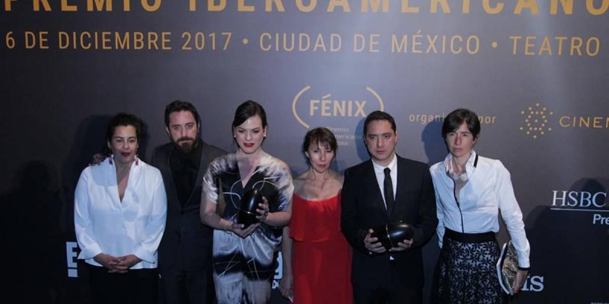 """Una gran noche para el cine chileno: """"Una mujer fantástica"""" arrasa en los premios Fénix y logra paso clave para el Oscar"""
