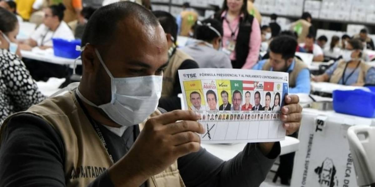 Tribunal Electoral de Honduras anuncia un recuento parcial de votos de las elecciones presidenciales