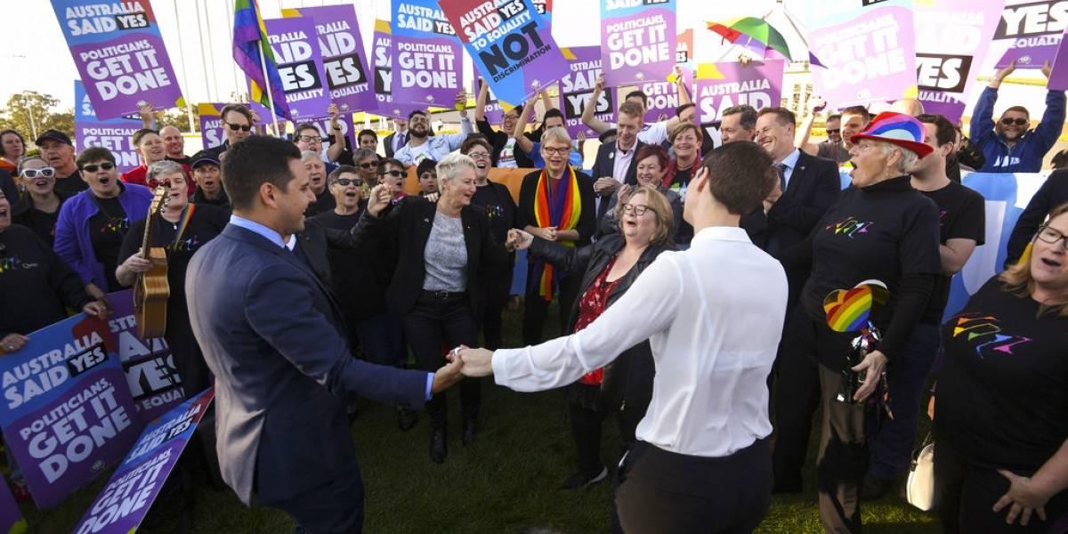 FOTOS. Australia celebra aprobación de ley que permite el matrimonio homosexual