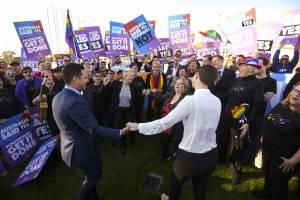 Australia celebra aprobación del matrimonio homosexual