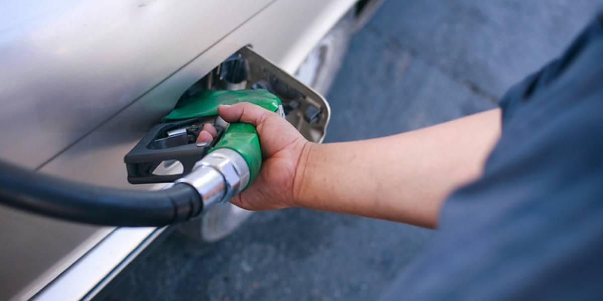 Leve baja presentará el precio de la bencina desde este jueves
