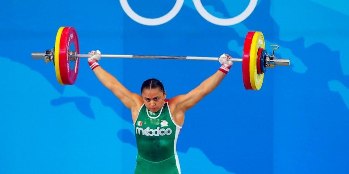 Damaris Aguirre recibe medalla olímpica nueve años después