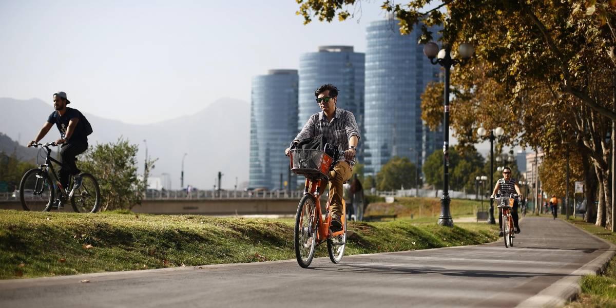 """""""Es un ejemplo del Santiago que no queremos"""": Orrego critica """"falta de generosidad"""" de grupo de Vitacura que rechaza ciclovía"""