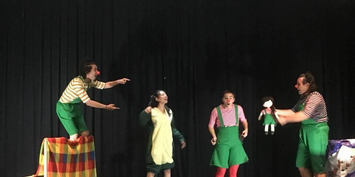 Obra de teatro trae ilusión navideña a niñas y niños