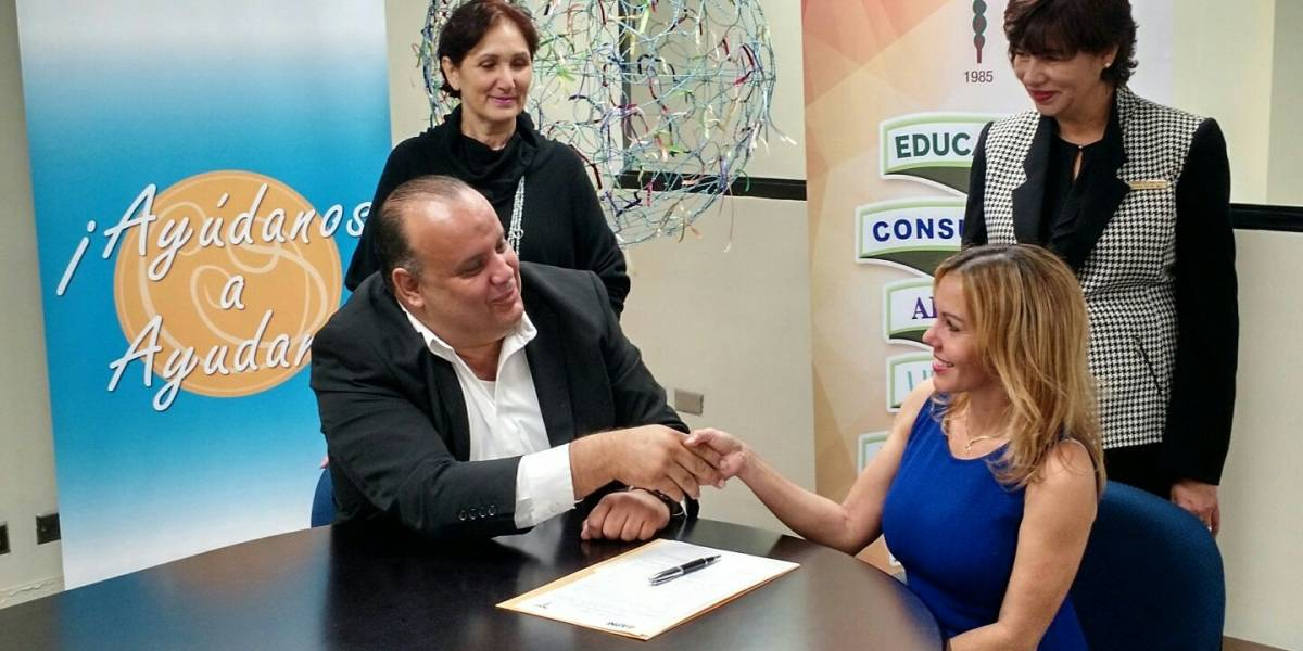 Firman acuerdo para beneficiar a menores con impedimentos