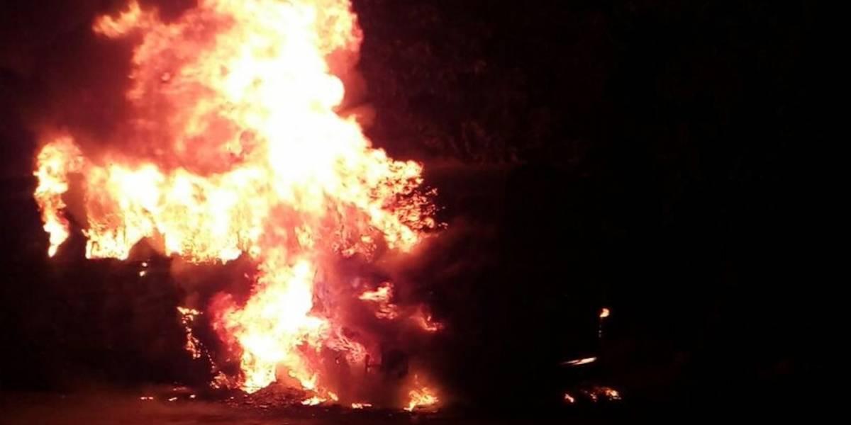 Autobús proveniente de México se incendia en Retalhuleu