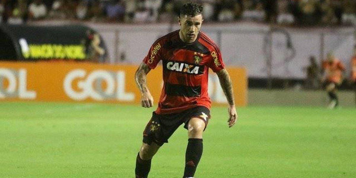 Eugenio Mena podría dar el salto al campeón de Brasil