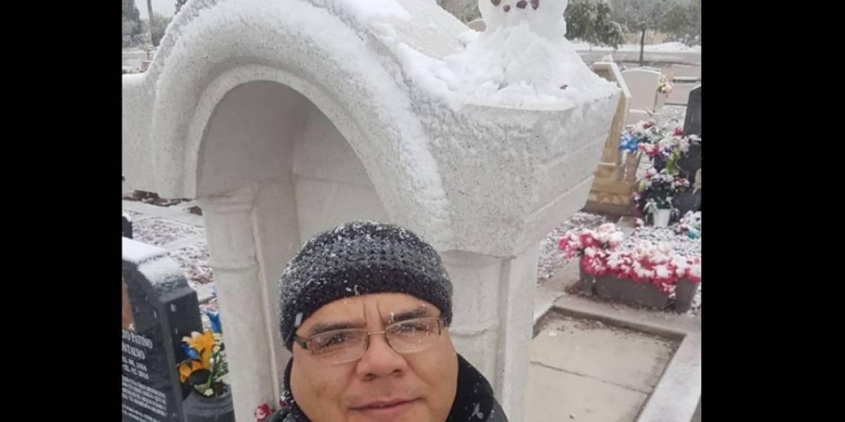 Prometió hacer un muñeco de nieve con su madre; hoy lo hace en su tumba