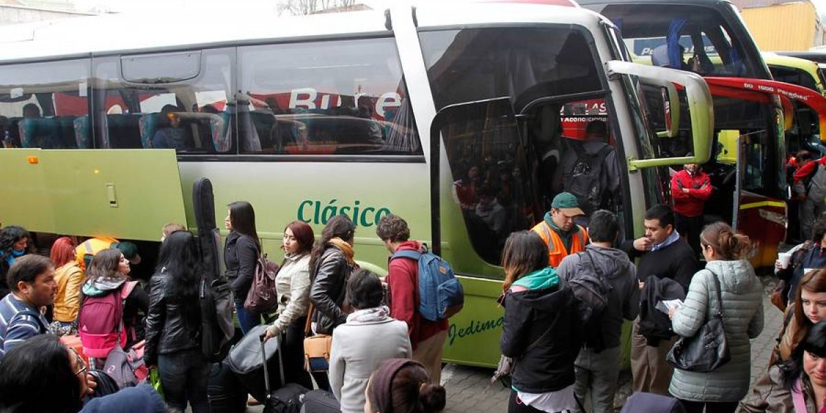 Registran alta demanda por pasaje de buses para este fin de semana largo