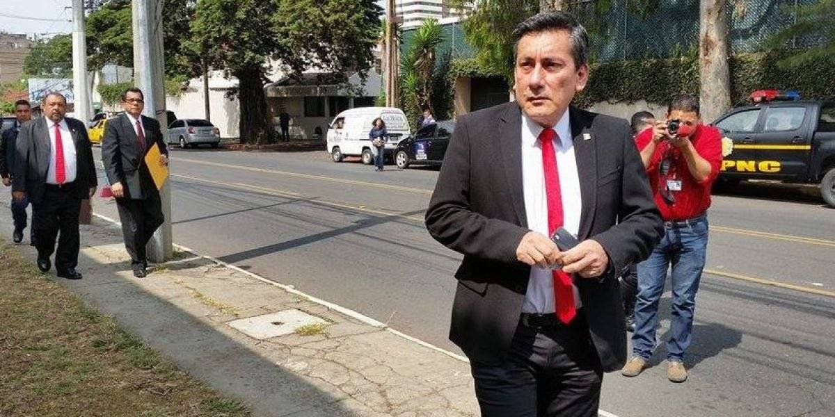 Pesquisidora cita al diputado Roberto Villate
