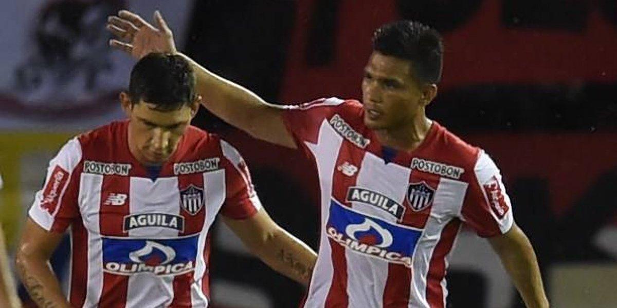 """Ex goleador de la UC dio la cara tras mediático """"lío de faldas"""" con Teófilo Gutiérrez"""