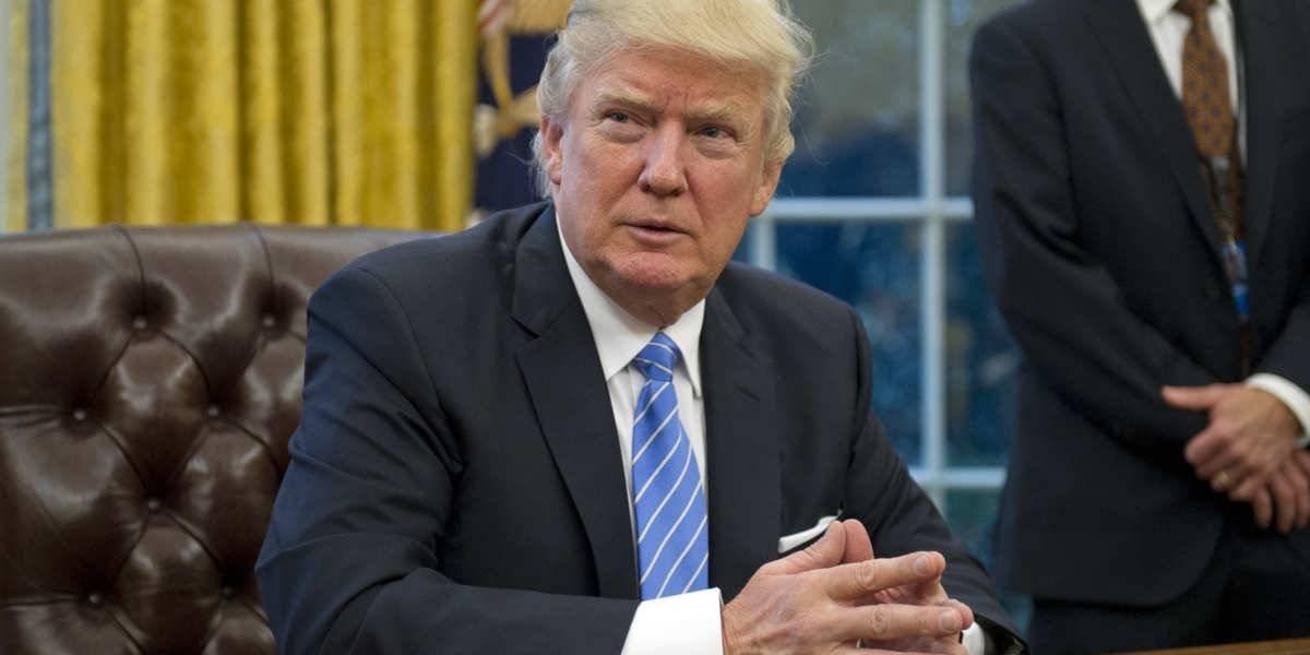 """Trump reitera habrá muro, de lo contrario """"tendremos mucha gente infeliz, incluido yo"""""""