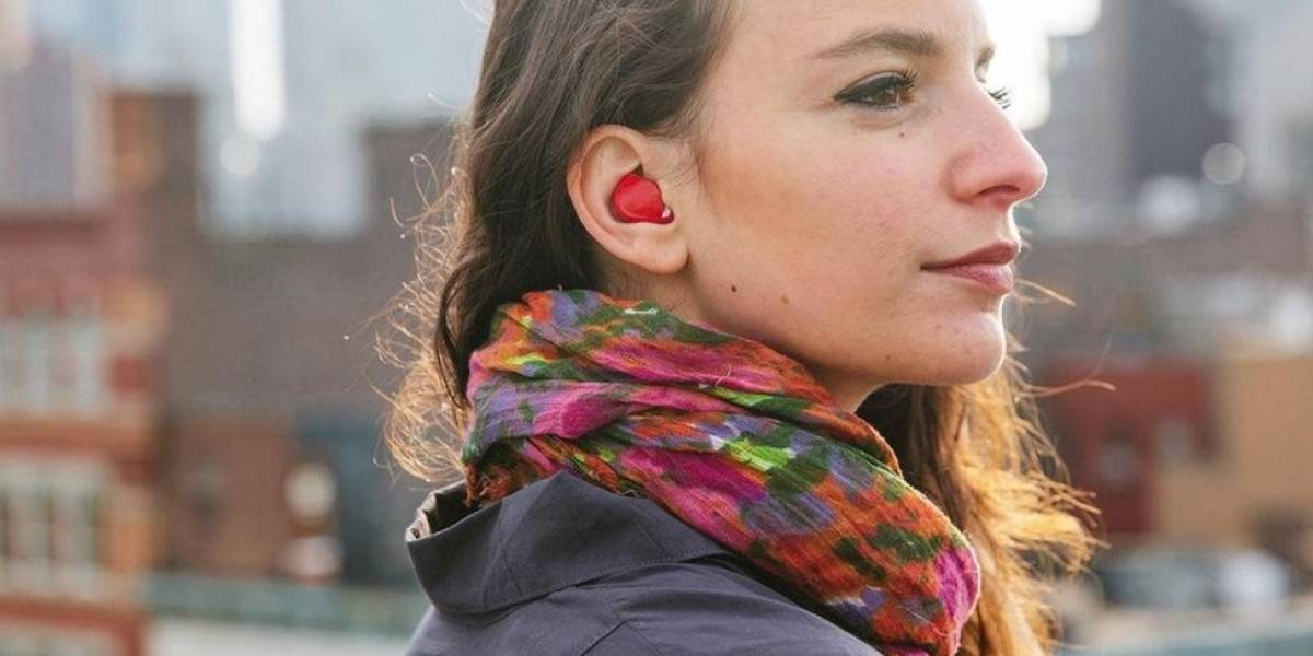 O fone de ouvido que é capaz de traduzir 15 idiomas praticamente ao vivo