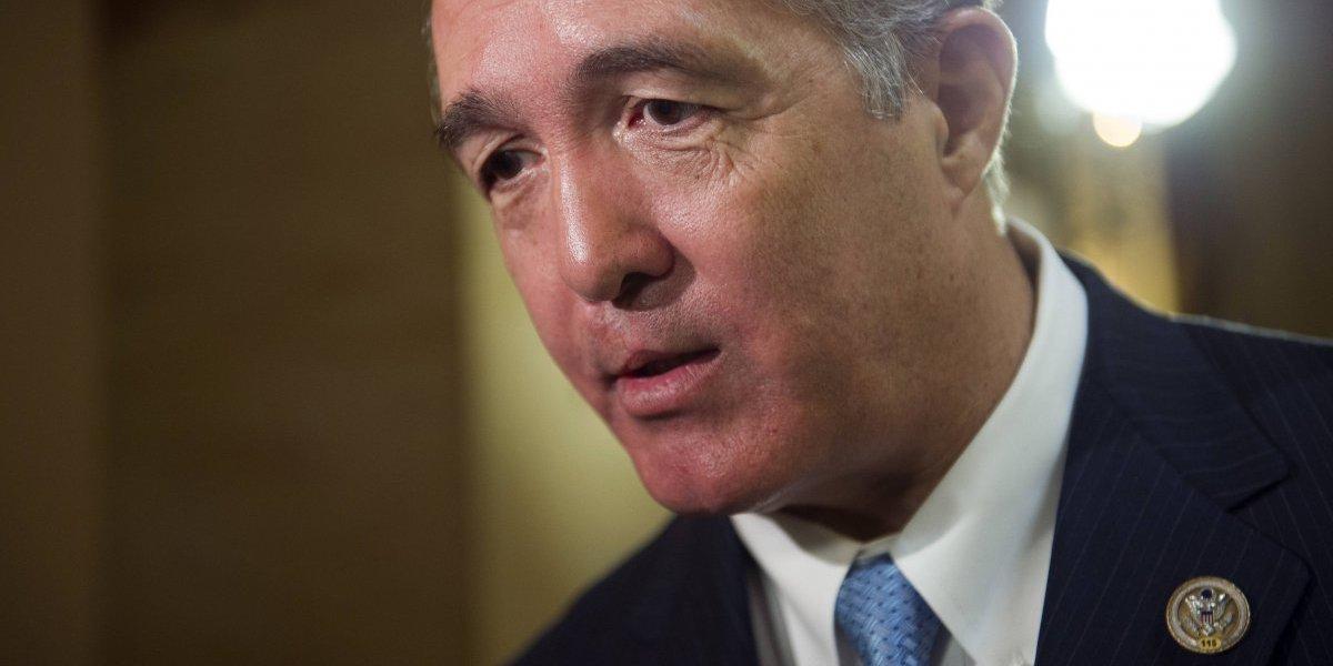 Renuncia otro legislador federal por conducta inapropiada