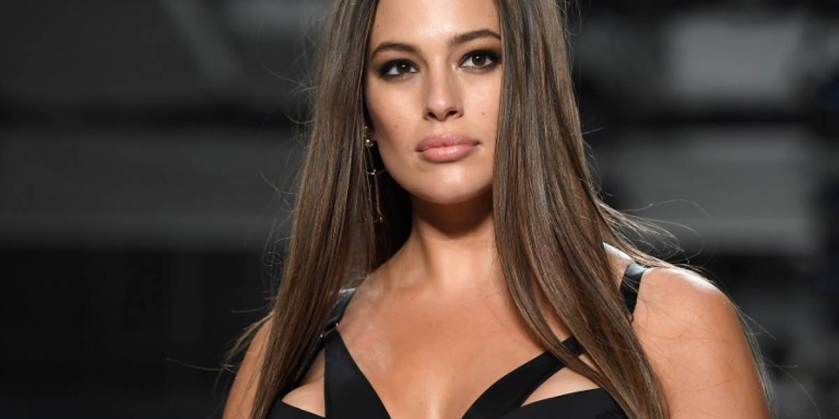 "Ashley Graham revela elegante vestido ""pre Grammy"""