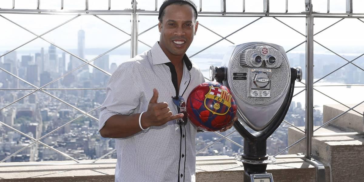 Ronaldinho volvió a las canchas para derrochar su talento