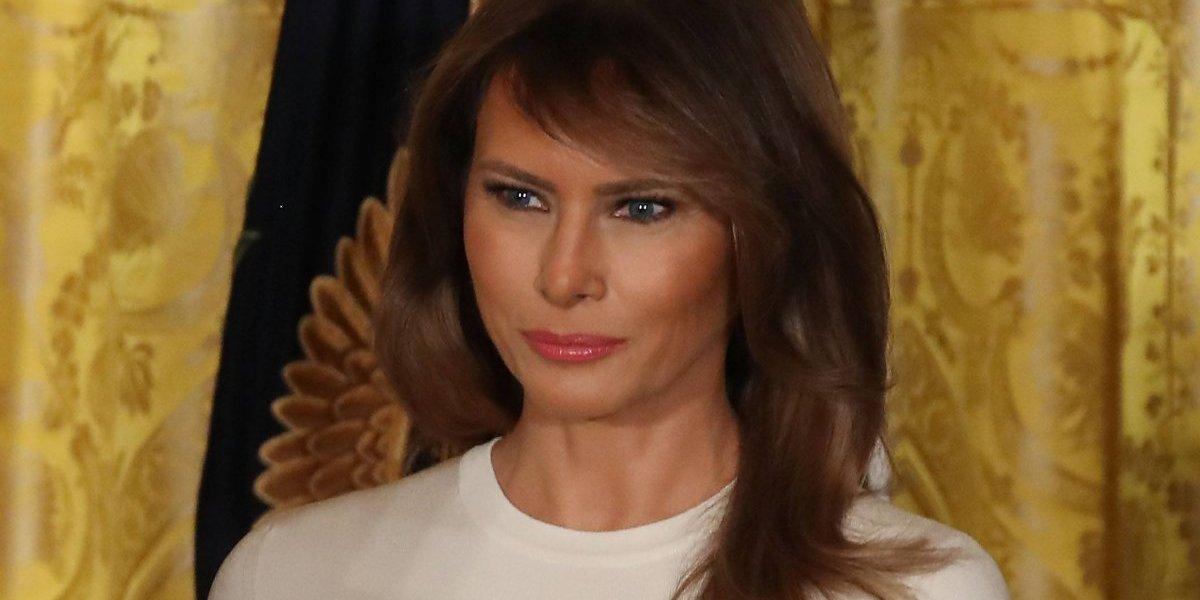 Revista se disculpa con Melania Trump por haberla llamado 'prostituta'