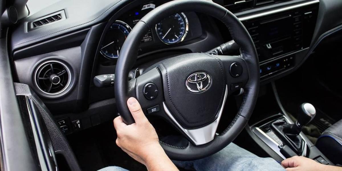 Puedes empezar el año con un carro nuevo al cambiar el aceite de tu vehículo