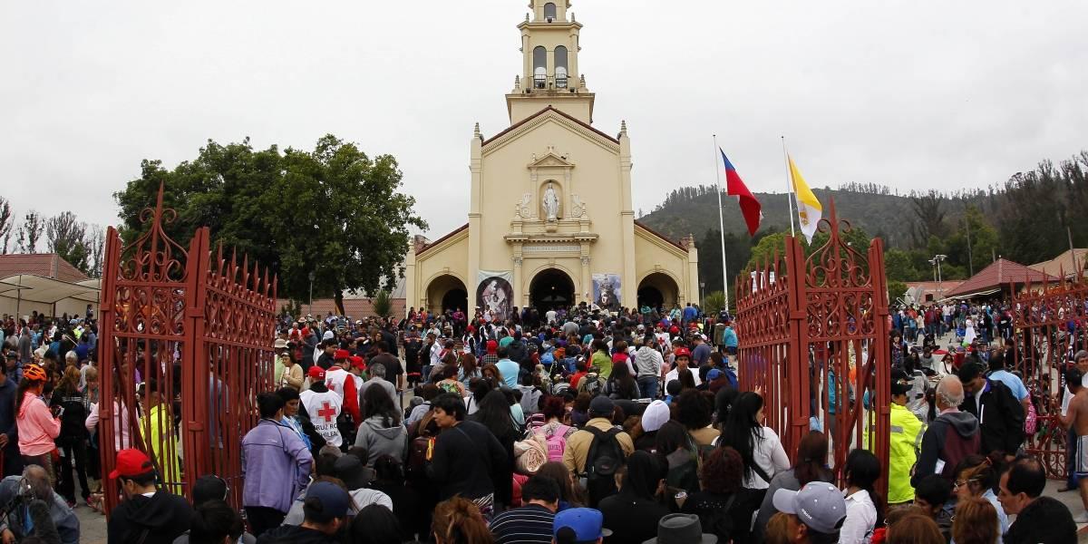Ruta 68 cortada y estricta fiscalización a la venta de alimentos por peregrinación a santuario de Lo Vásquez