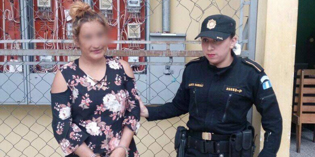Capturada por tener relaciones sexuales con menores