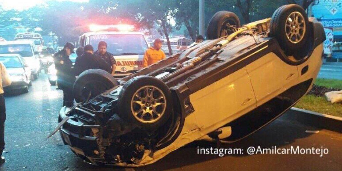 Accidentes complican el tránsito en zona 10 y la calzada Roosevelt