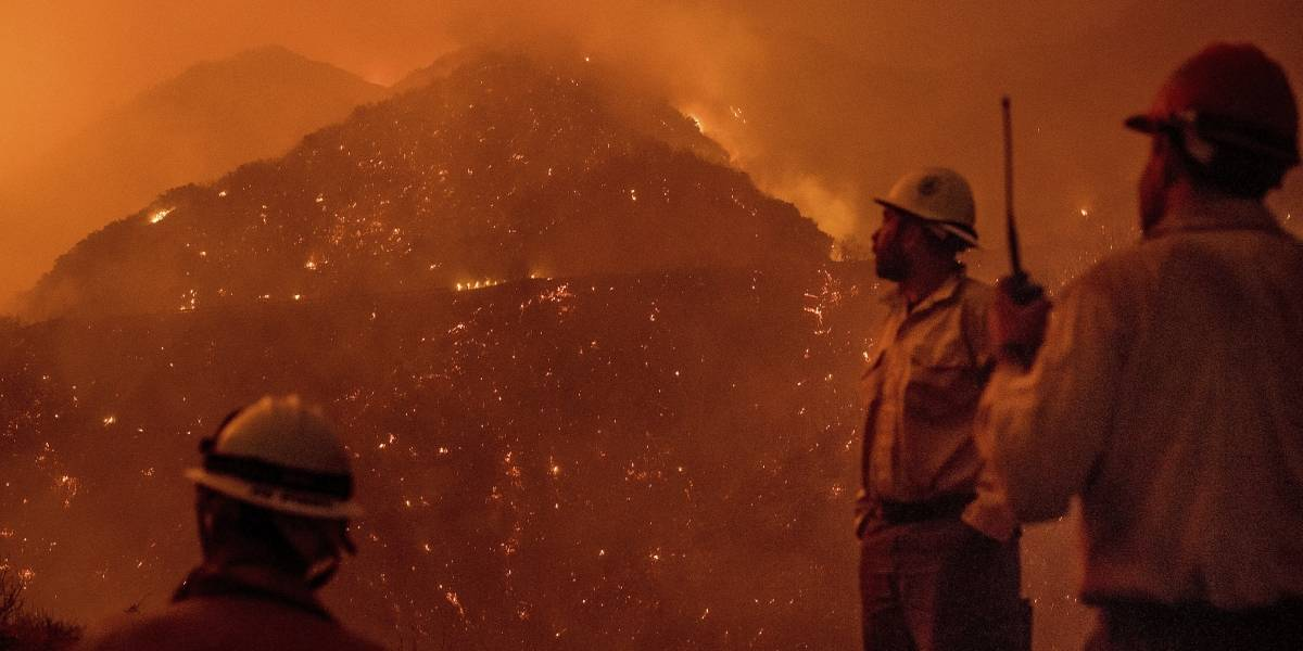 Incendios en California dejan un muerto y 500 casas destruidas