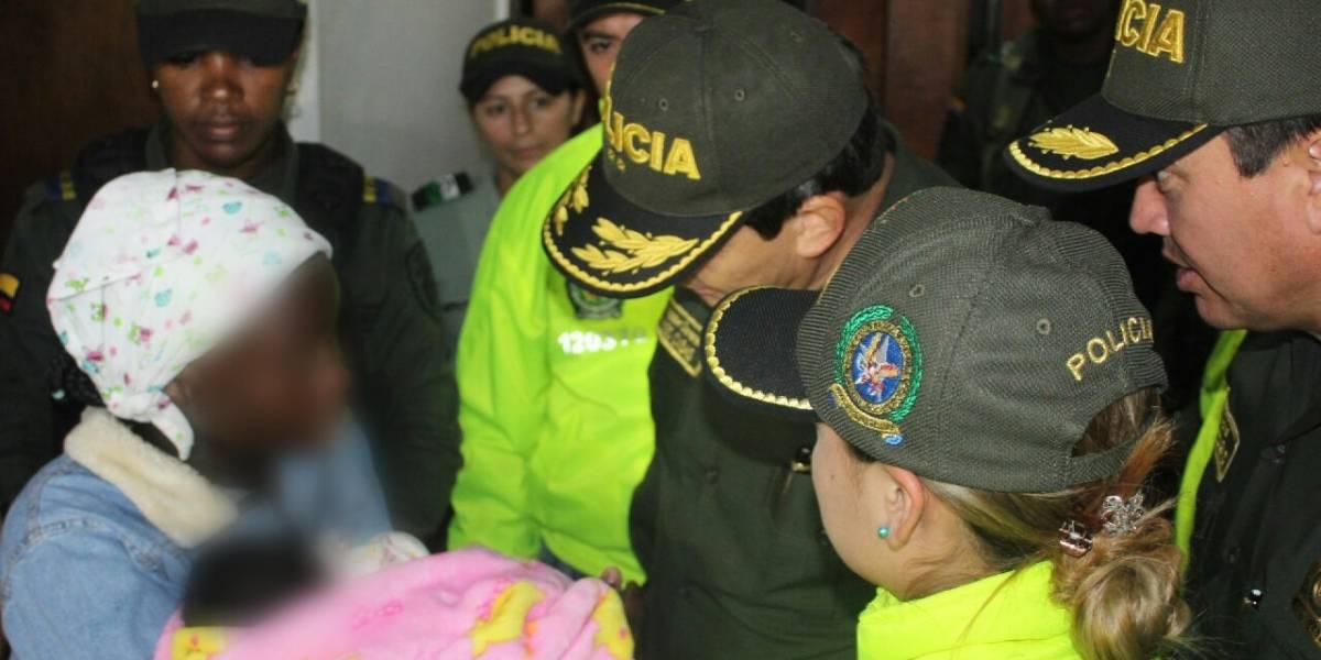 Mujer raptó a una bebé, pero la encontraron por una pista que dejó en la basura