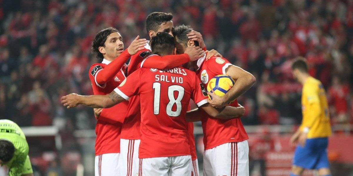Con pocos minutos de Jiménez, Benfica obtiene valiosos puntos