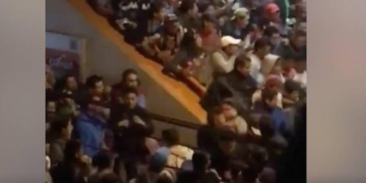 Usuarios pelean en el Metro Pantitlán en hora pico