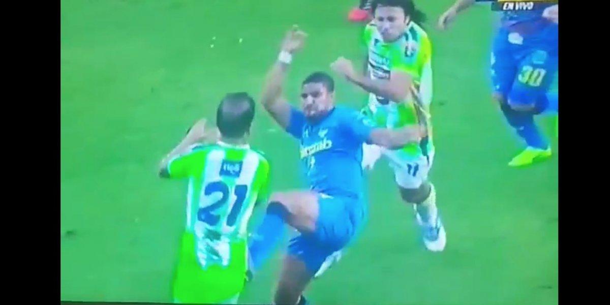 """VIDEO. Bastos agrede a """"el Moyo"""" Contreras y este responde de forma inesperada"""