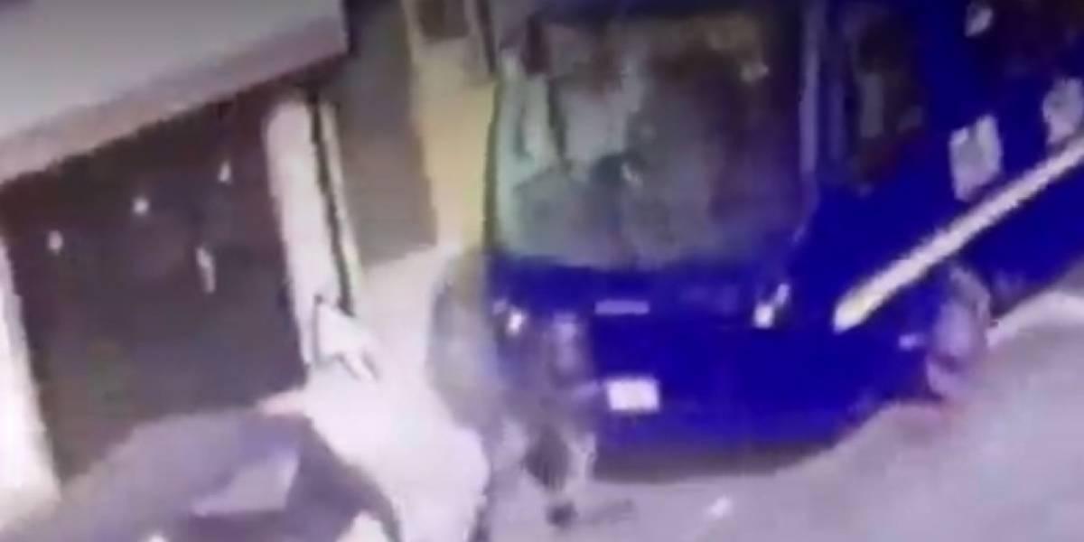 Conductor del SITP usó sus manos para detener el bus que se iba rodando