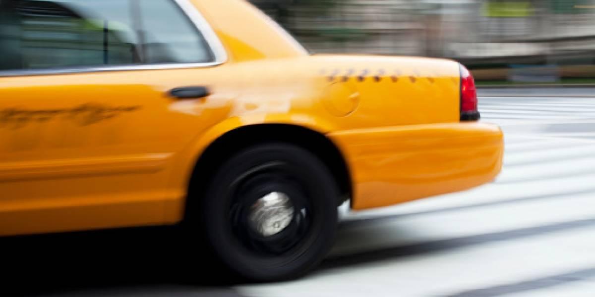 Piden a taxista devolver a casa pasajero fallecido en su vehículo en Bogotá