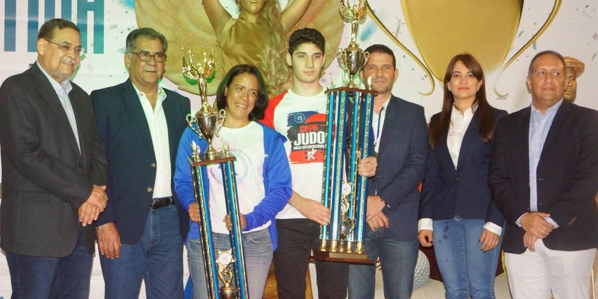 La Gala Deportiva Naqueña 2017 premian atletas del año Ana Ysa Tejeda y Antonio Tornal