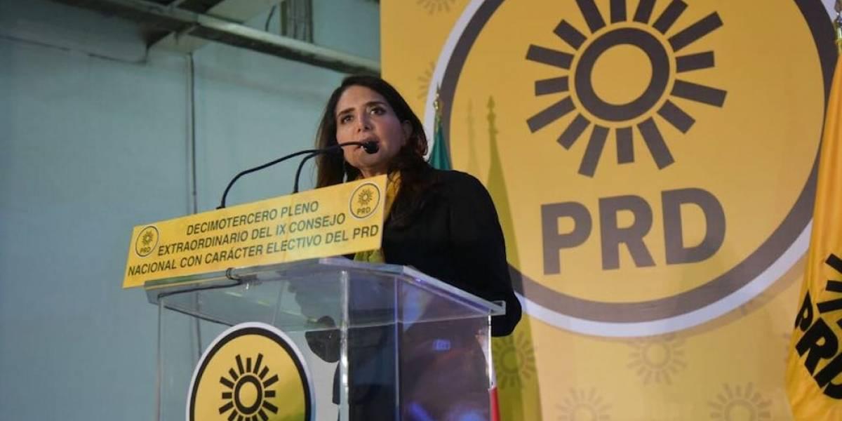 Barrales deja dirigencia del PRD; Manuel Granados la sustituye