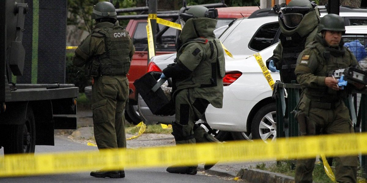 Gobierno se querellará por colocación de artefactos explosivos en sede del PS y PR