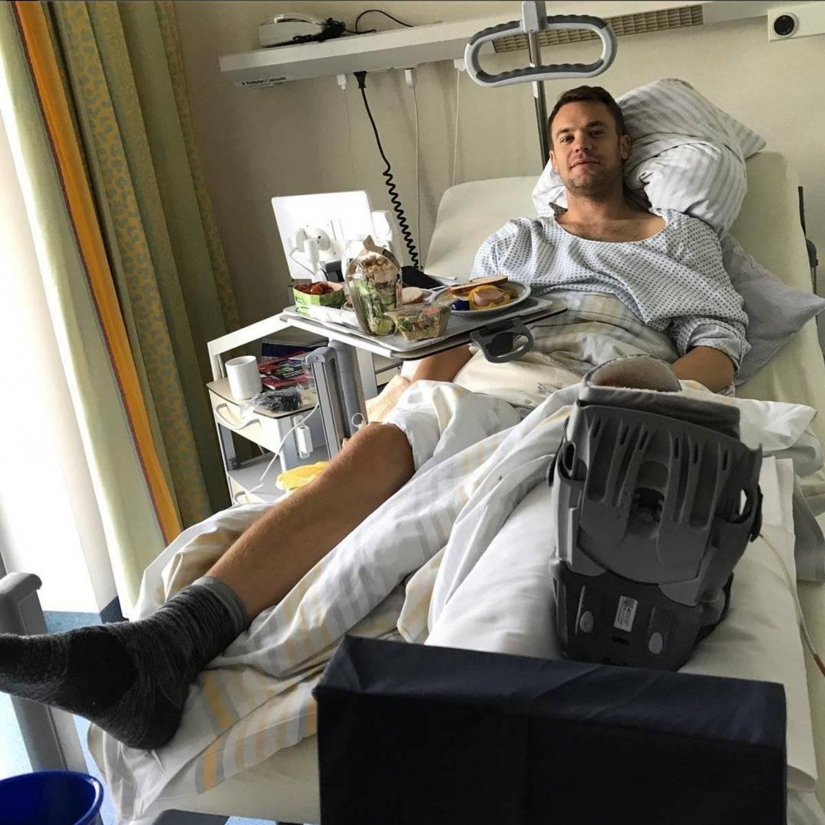 Neuer fue intervenido de su tobillo izquierdo