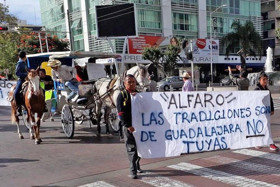 Protestan calandrieros contra presiones del Ayuntamiento