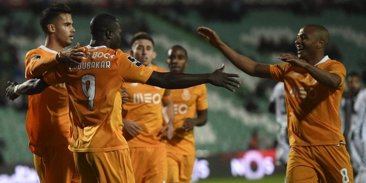 Porto golea a Vitoria Setubal con mexicanos en el campo